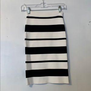 BCBG MAXAZRIA perfect condition pencil skirt